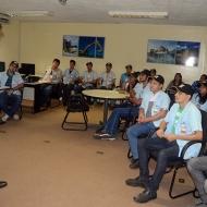 O-coordenador-Daniel-Naecimento-durante-palestra-com-os-alunos